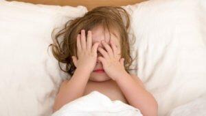 ребенок плохо спит ночью